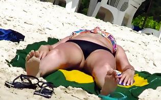 Hot women in bikini